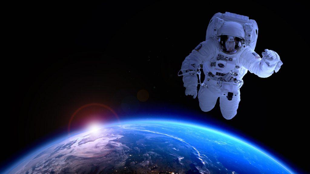 Chińscy kosmonauci wrócili na Ziemię
